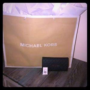 Michael Kors Jet Set Travel Large Tri fold wallet